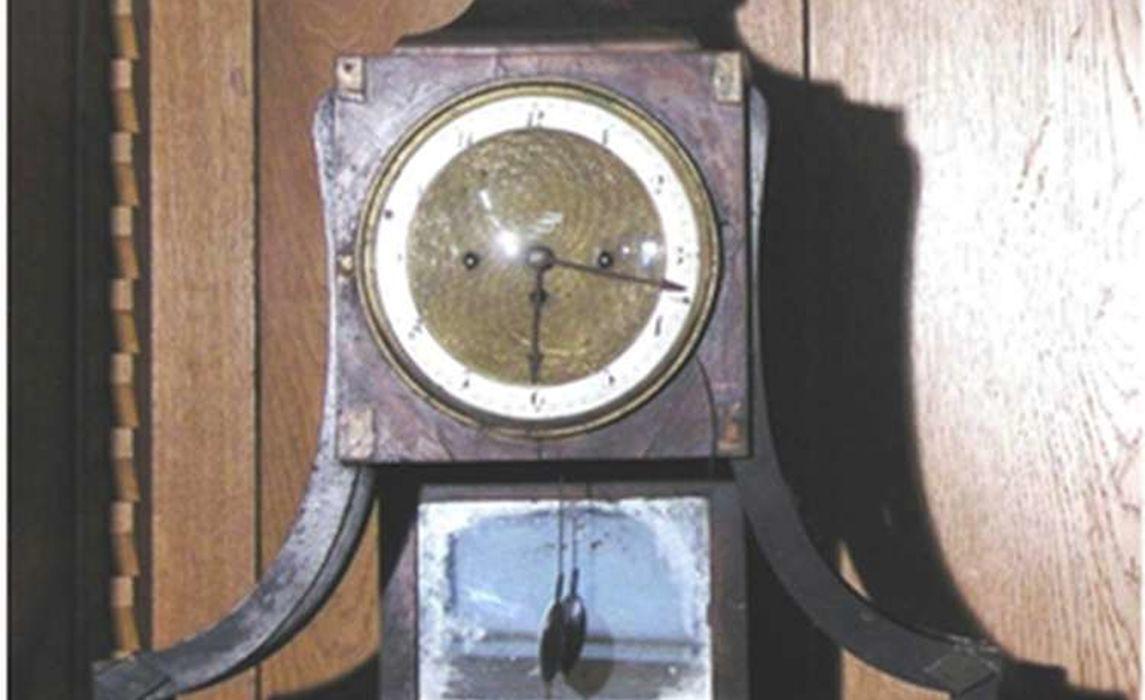 Uhr Vor Der Restaurierung