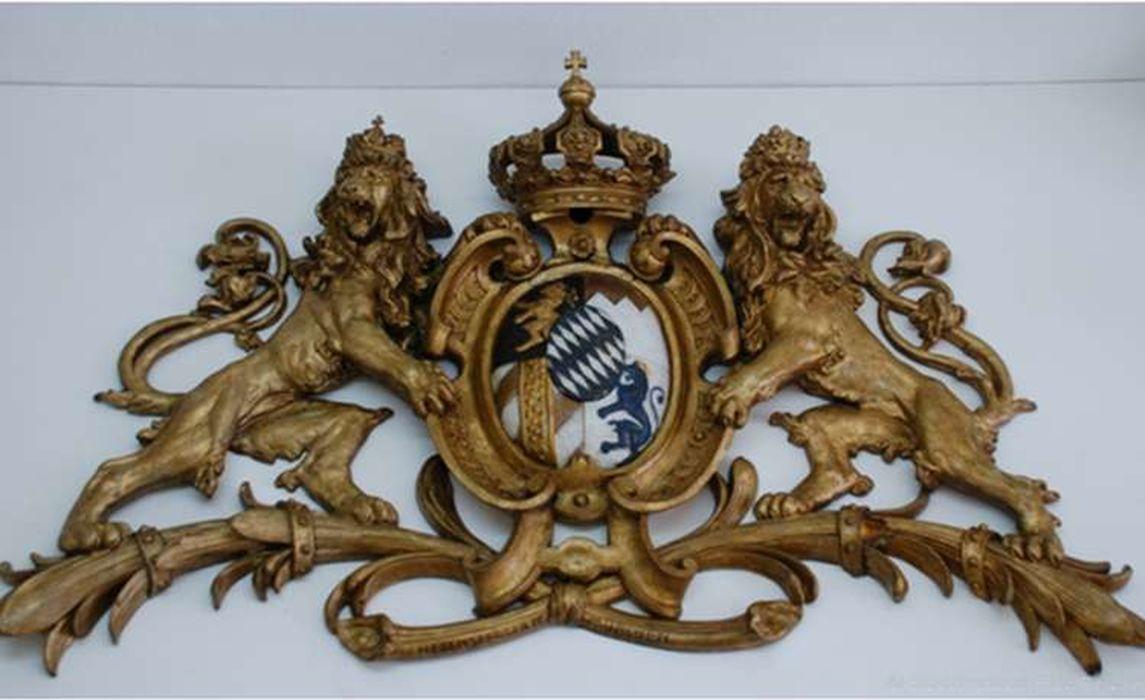 Wappenschild Nach Der Restaurierung
