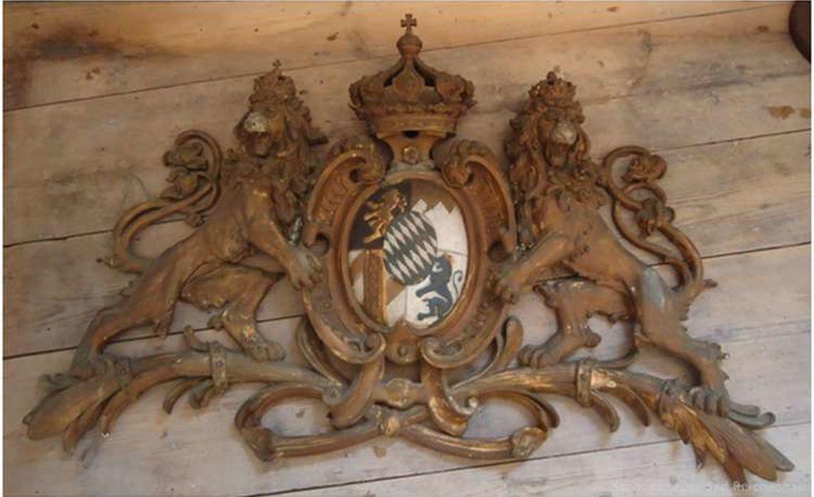 Wappenschild Vor Der Restaurierung